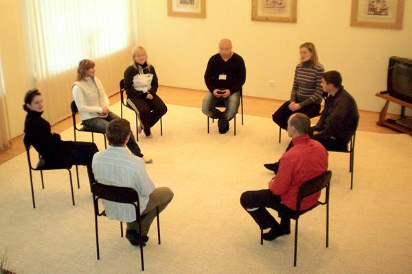 Встреча клуба анонимных алкоголиков