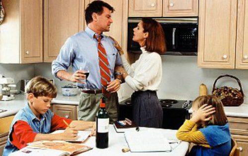Родители пьют каждый день - что делать