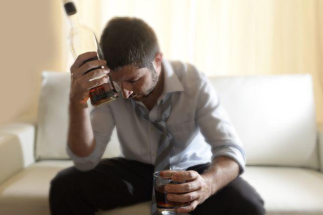Стоит ли жить с алкоголиком