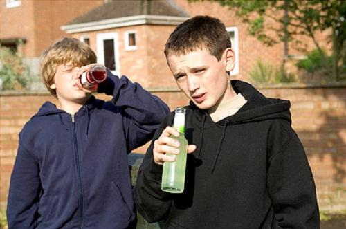 Почему подростки пьют