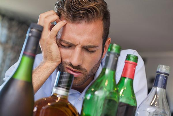 Жена скрывает что муж пьет