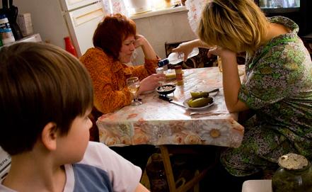 Что делать, если родители пьют: как избавить родителей от алкоголизма