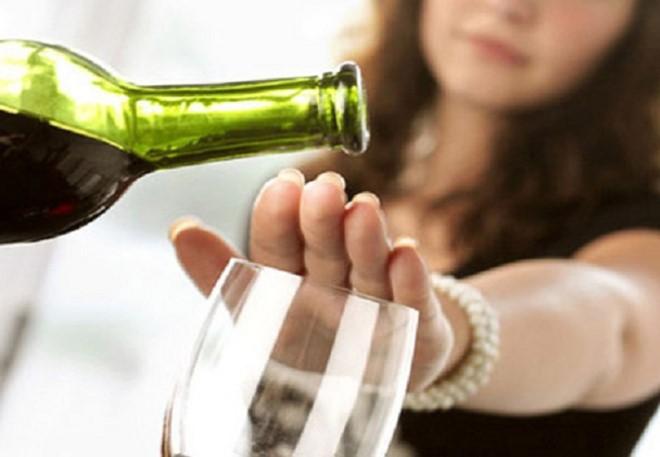 Можно употреблять алкоголь после кодировки
