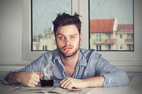 Почему опухает лицо после алкоголя